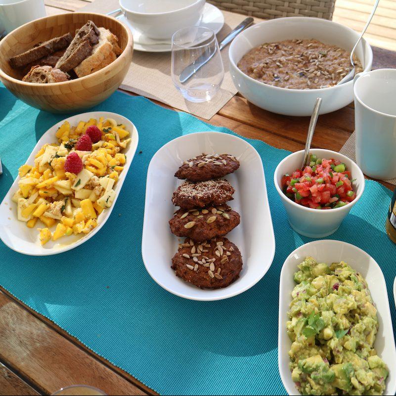 Obst, Kekse, Guacamole, Tomate
