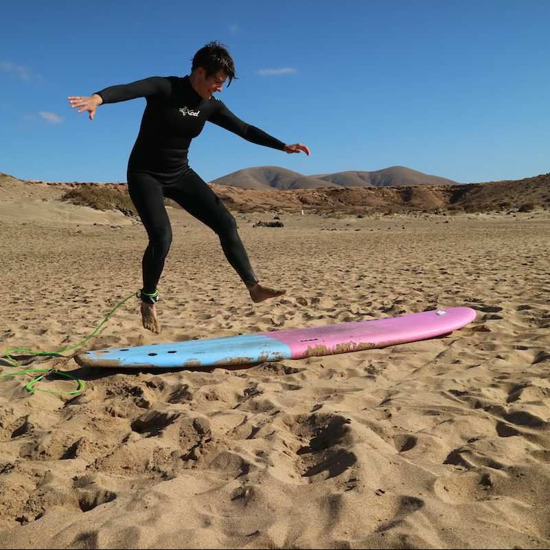 Sprung aufs Surfbrett